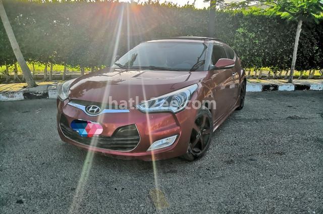 Veloster Hyundai احمر
