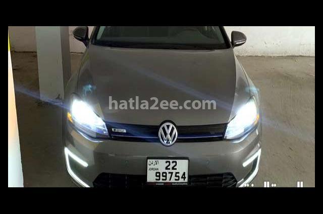 Golf Volkswagen رمادي