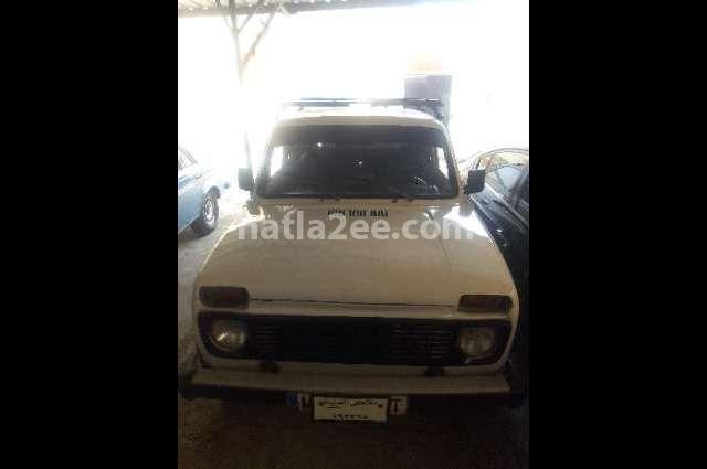 Niva Lada أبيض