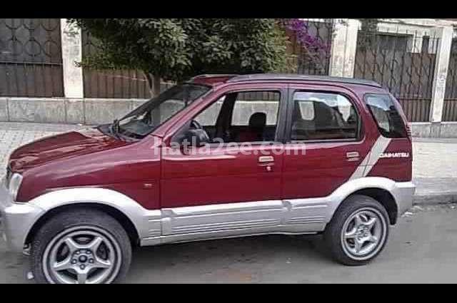 Terios Daihatsu احمر