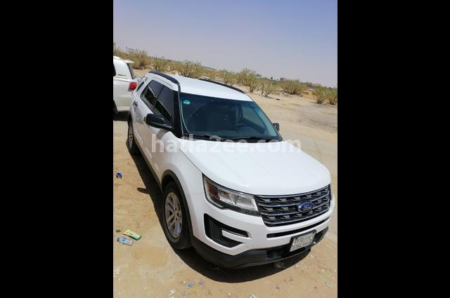 Explorer Ford White