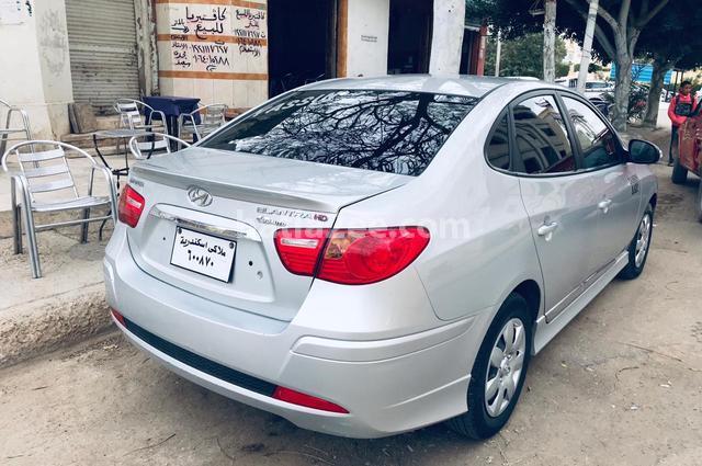 Elantra HD Hyundai فضي