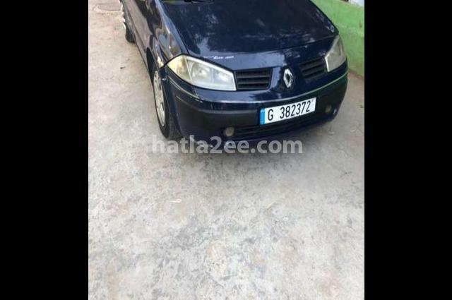 5 Renault أسود