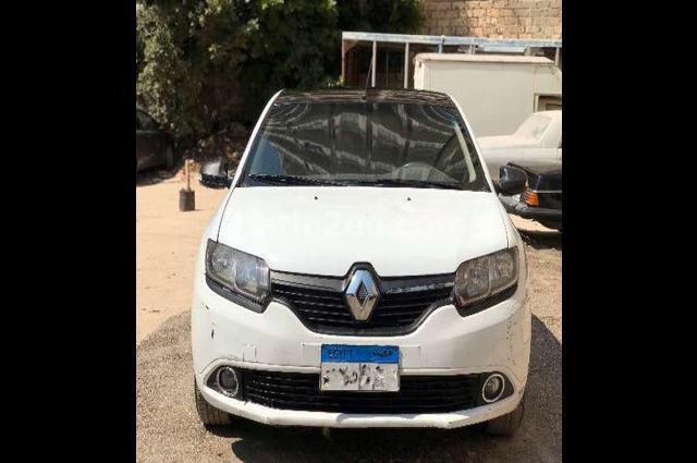 Sandero Renault أبيض
