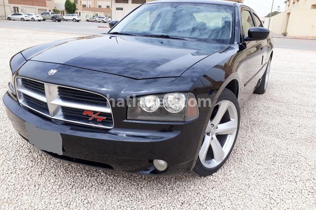 Charger Dodge أسود