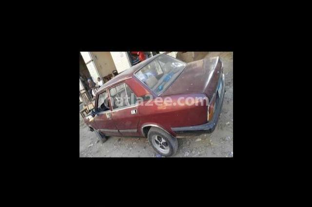 132 Fiat احمر غامق