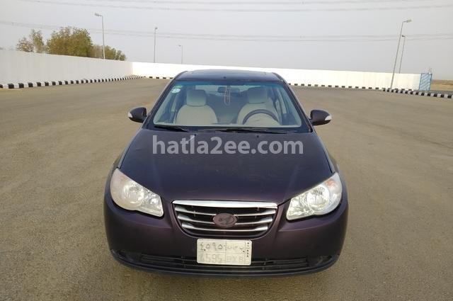 Elantra HD Hyundai احمر غامق