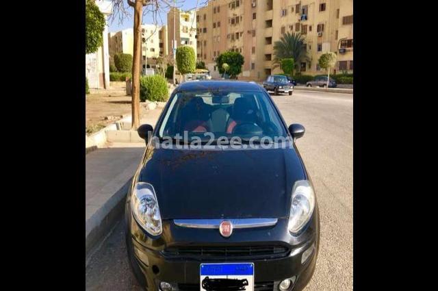 Punto Fiat أسود