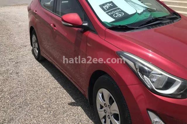 Elantra Hyundai احمر غامق