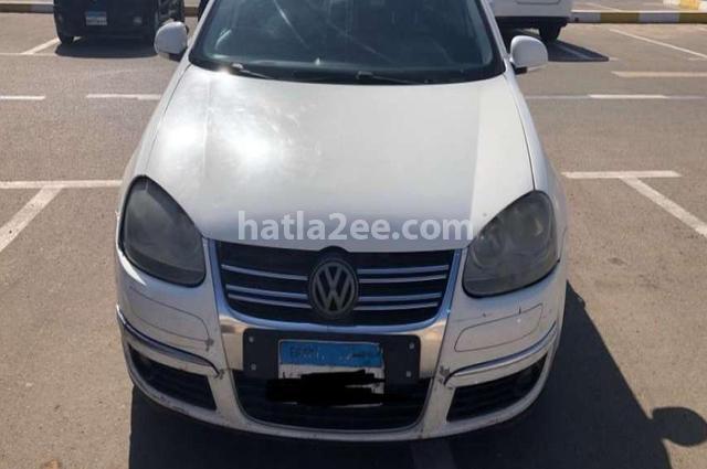Jetta Volkswagen أبيض