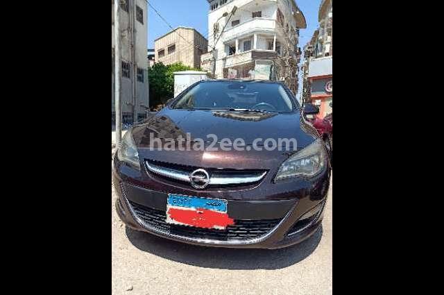 Astra Opel احمر غامق