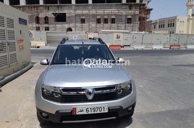 Duster Renault فضي