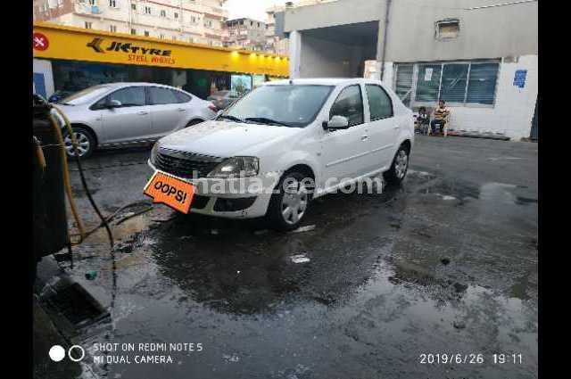 Logan Renault أبيض