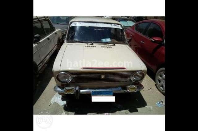 1200 Lada أبيض