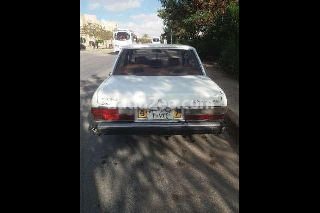 505 Peugeot أبيض