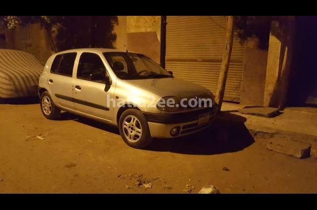 Clio Renault فضي