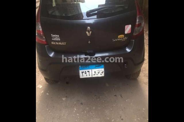 Sandero Renault رمادي
