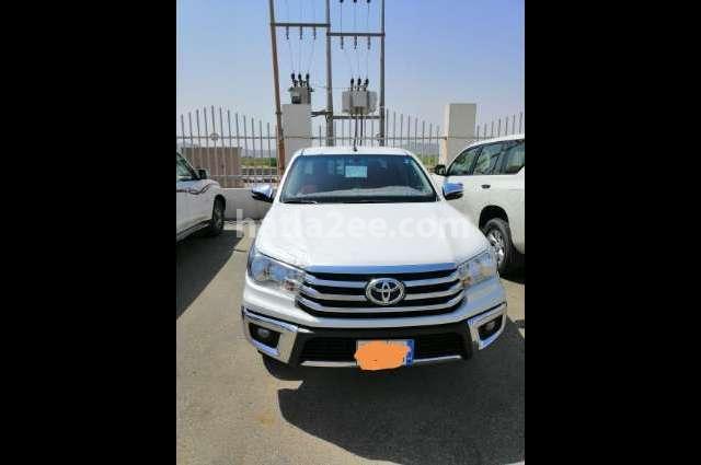 Hilux Toyota 2018 Jeddah White 2678004 - Car for sale : Hatla2ee