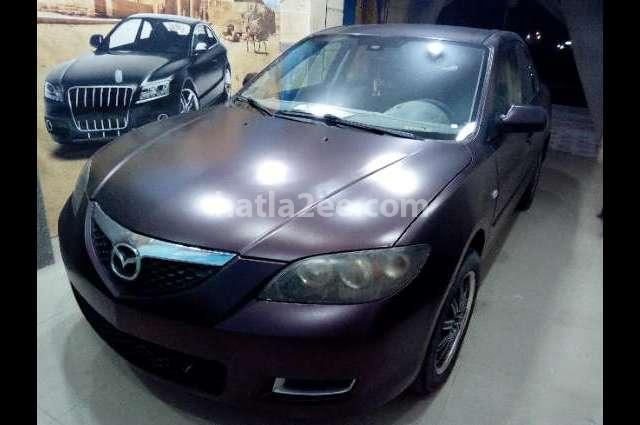 Mazda 3 Mazda احمر غامق