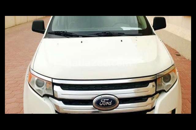 Edge Ford أبيض