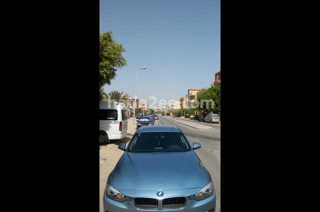 320 BMW Blue