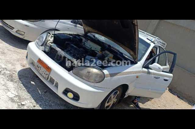 Lanos Chevrolet أبيض