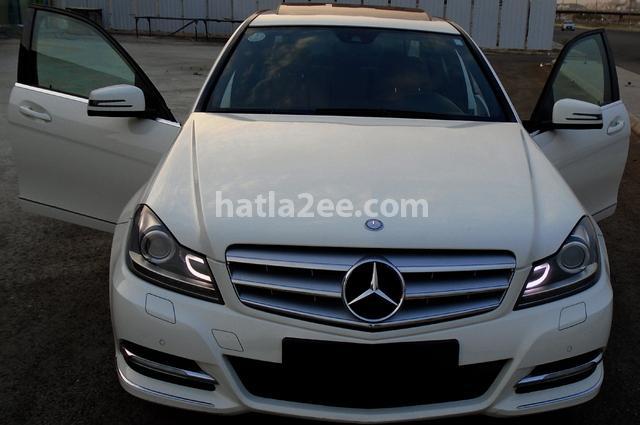 C 200 Mercedes أبيض