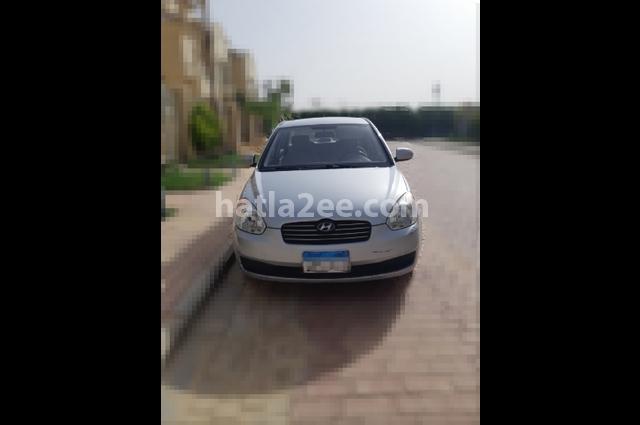 Accent Hyundai فضي