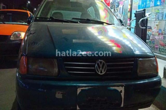 Polo Volkswagen Dark green