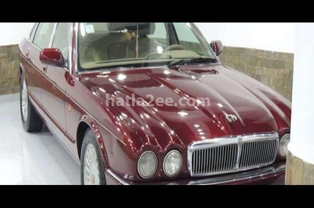 XJ6 Jaguar احمر غامق