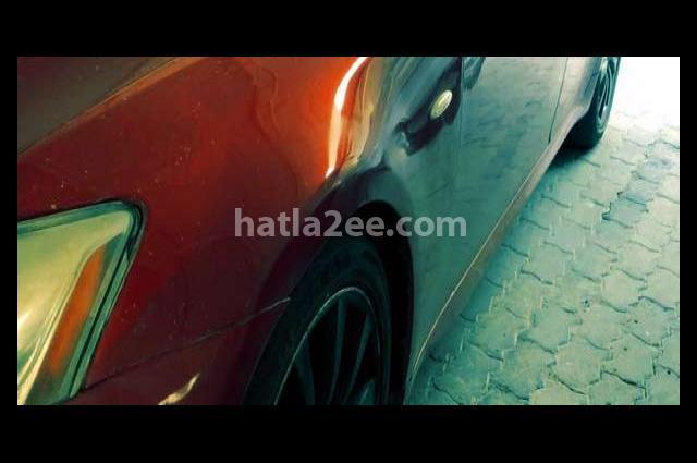 Is Lexus احمر