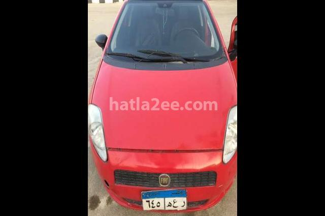 Punto Fiat احمر