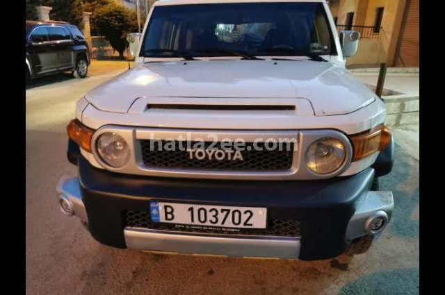 FJ Toyota أبيض