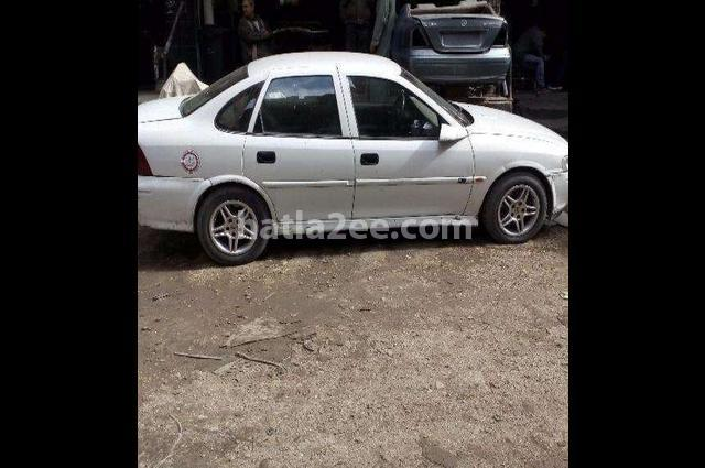 Vectra Opel White