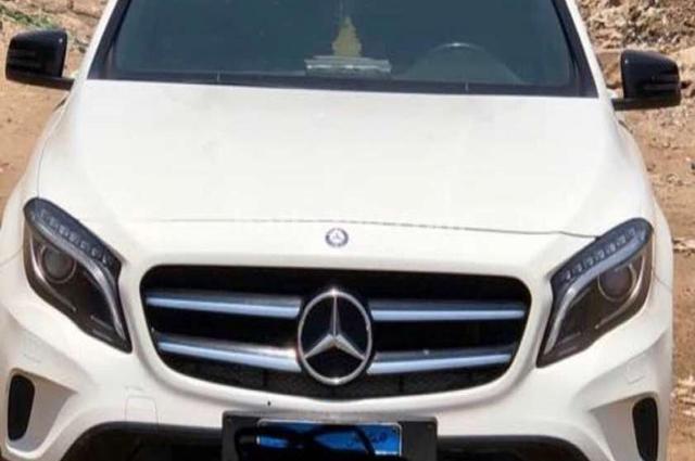 GLA Mercedes أبيض