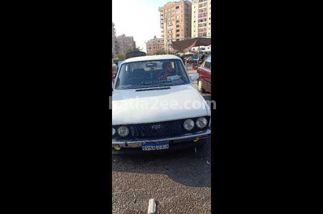 132 Fiat أبيض