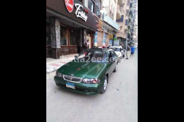Sunny Nissan اخضر غامق