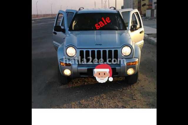 Liberty Jeep فضي
