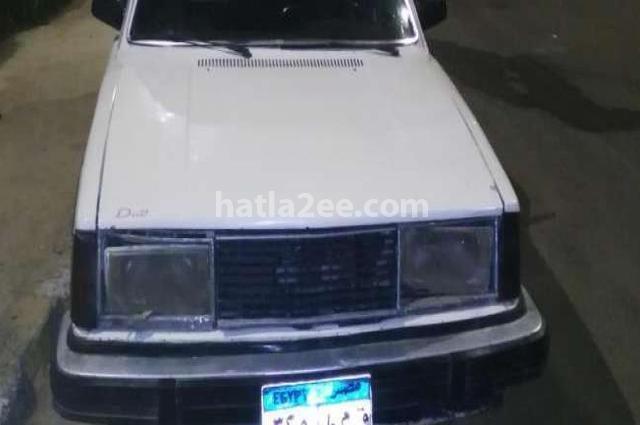 244 Volvo أبيض