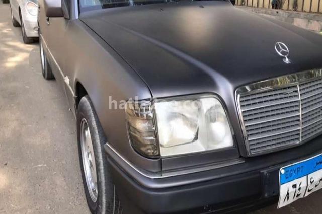 E 200 Mercedes رمادي