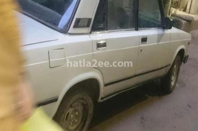 2105 Lada أبيض
