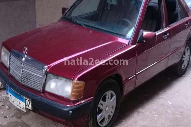 190 Mercedes احمر غامق