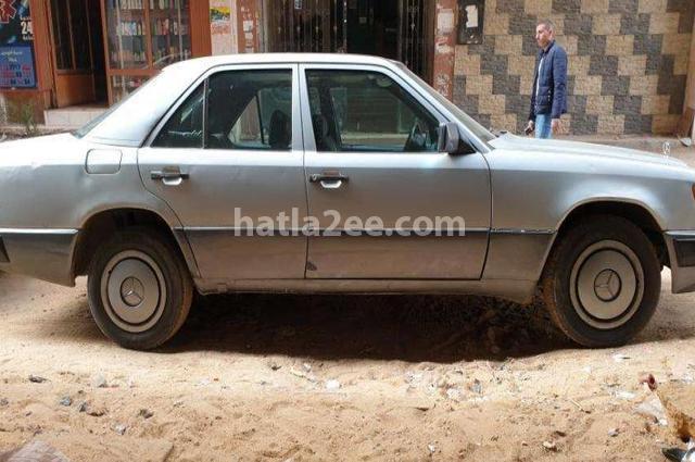 200 Mercedes Silver