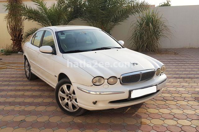 X-Type Jaguar أبيض
