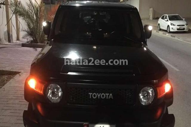 FJ Toyota أسود