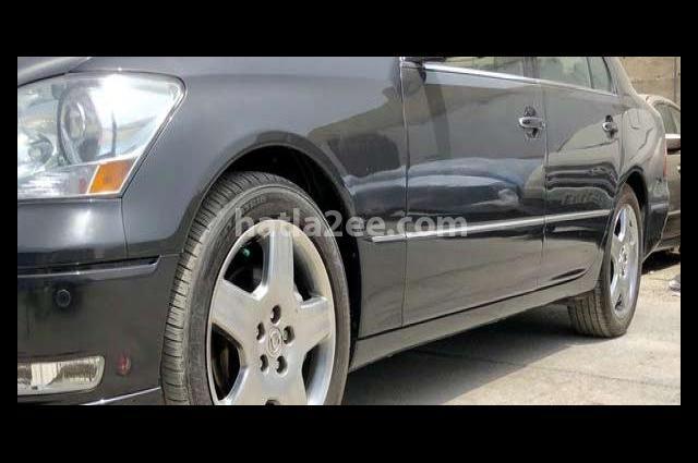 Ls Lexus رمادي