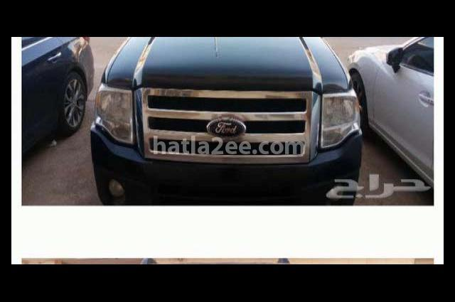 Expedition Ford أسود