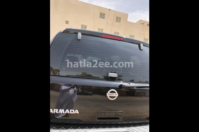 Armada Nissan أسود