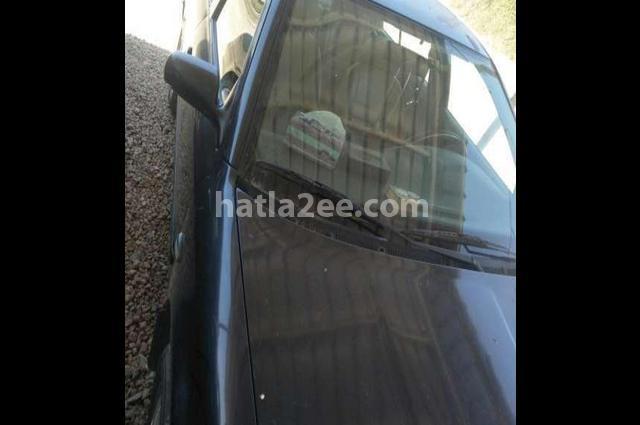 Octavia A4 Skoda أسود