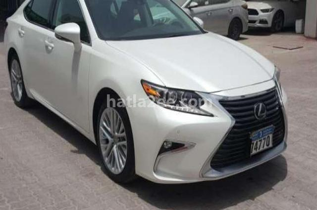 Es Lexus أبيض